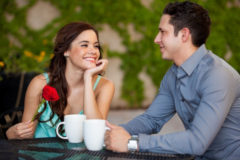 Знакомство как узнать что заинтересовала парня