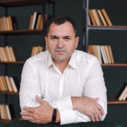 Олег Садовенко